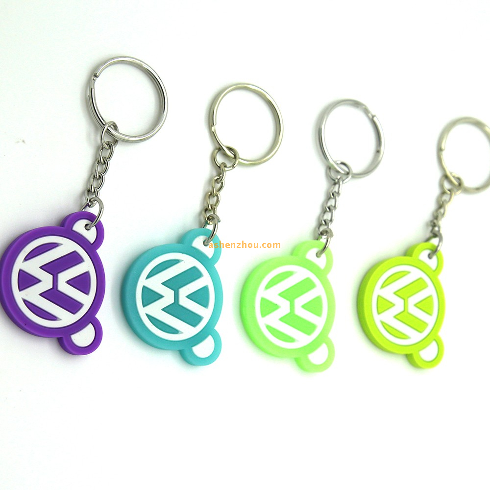 Popular custom designer new fashionable pvc keychains cute keyrings for women